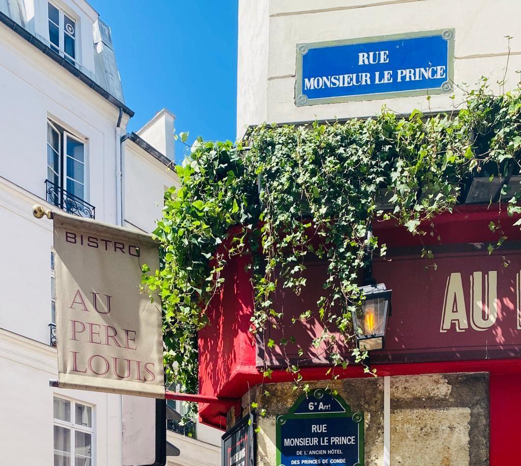 Restaurant au Père Louis situé rue monsieur le prince